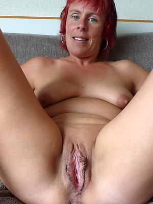 naughty stark naked mature amateurs