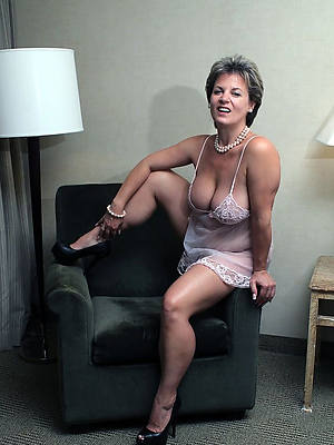 elegant sexy hot mature non stripped pics