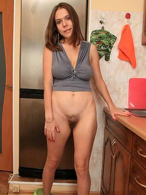free mature yield 30 descry porn pics
