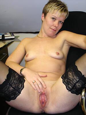 naked pics ofbeautiful mature over 30