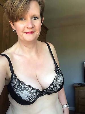 grey women selfshot nude pics