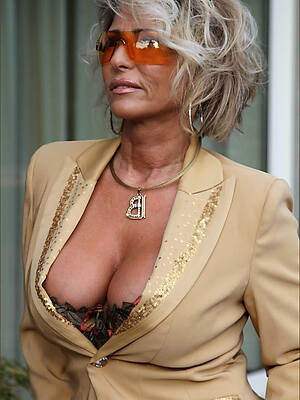 nasty grown-up women 50 plus amateur porn pics