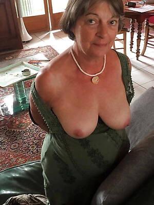magnificent matures off colour women bush-league porn pics