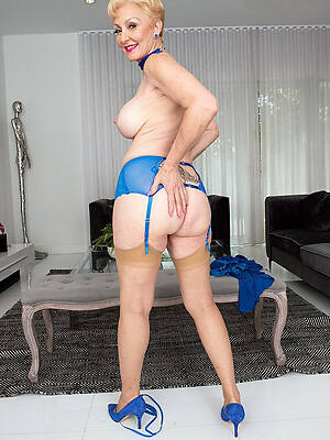 free hot classic mature pictures