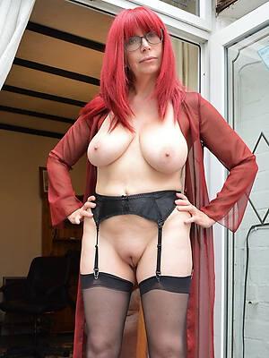 naked pics of mature defoliated redhead