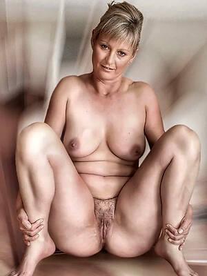 busty erotic mature pussy bush-leaguer pics