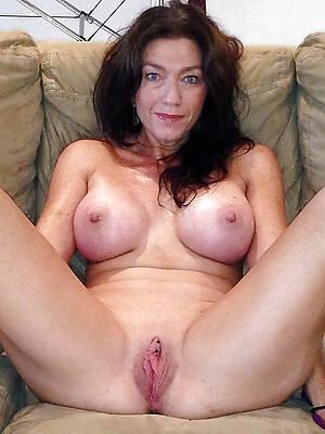 naked pics of grown-up british mummy