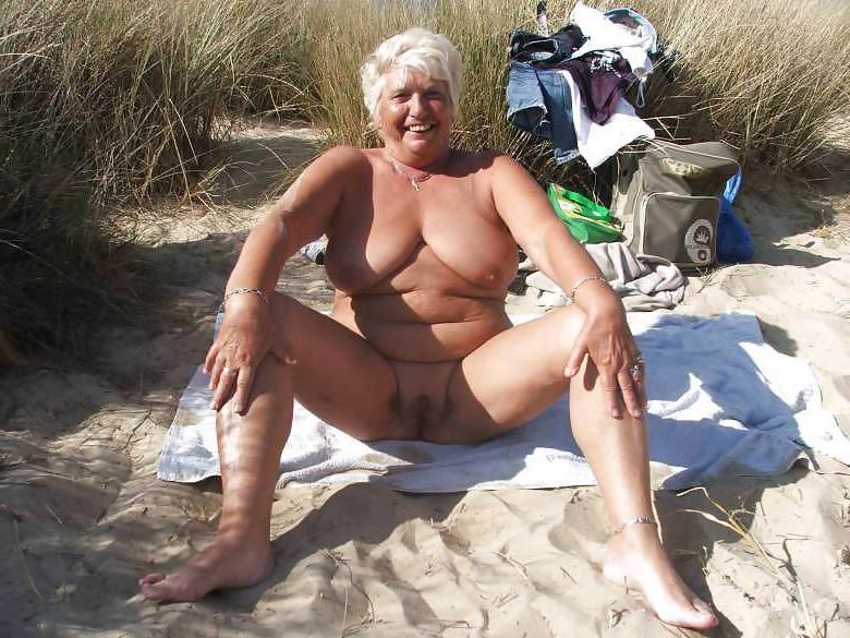 Granny nackt old Grandmamma Movies
