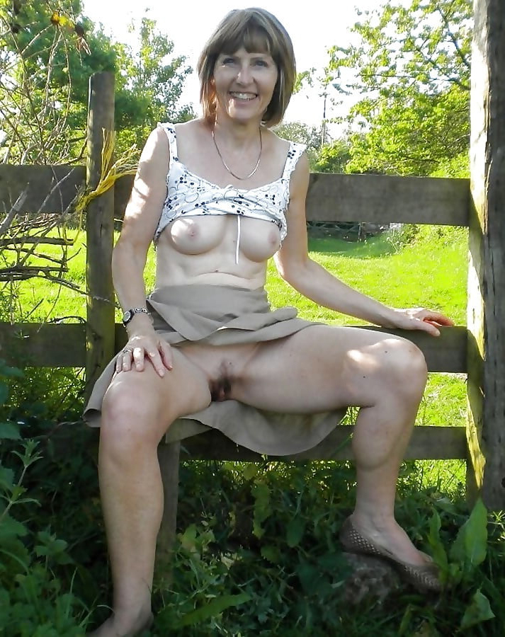 Japanese Upskirt Panty Tease
